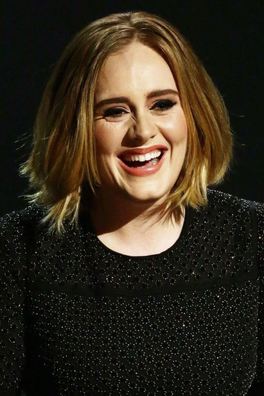 Adele Slays Adele Diaries In 2019 Bob Frisur Bob Frisur 2018