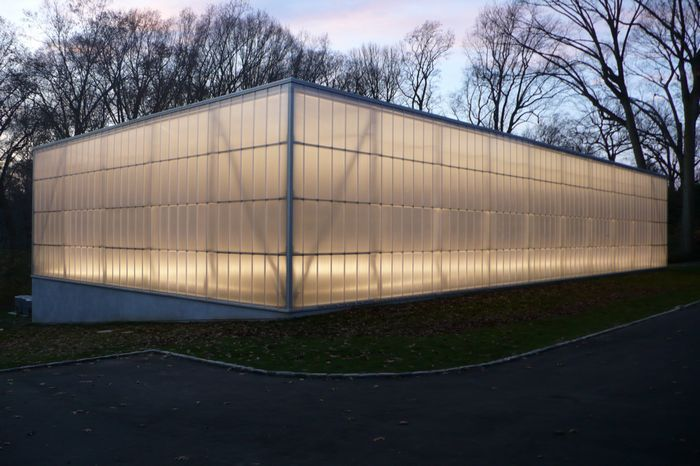 Michael Barclay Wynnewood Pa Lurie Tennis Enclosure Polycarbonate Panels Translucent Wall Roof Design Polycarbonate Panels
