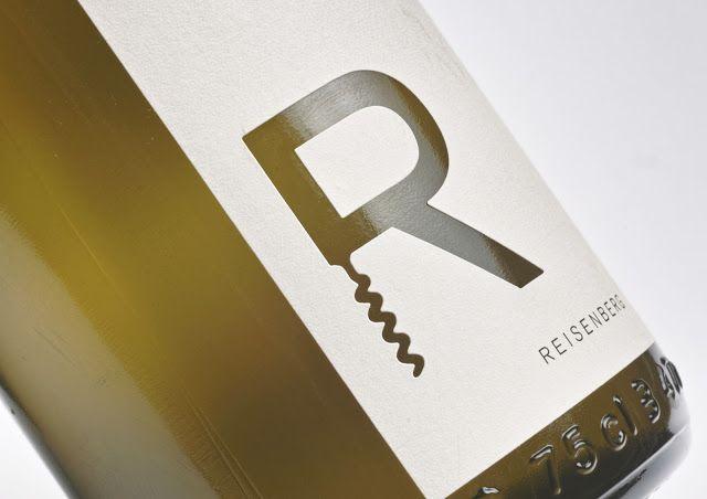 Reisenberg Wine Label on Packaging of the World - Creative Package Design Gallery #taninotanino #vinosmaximum