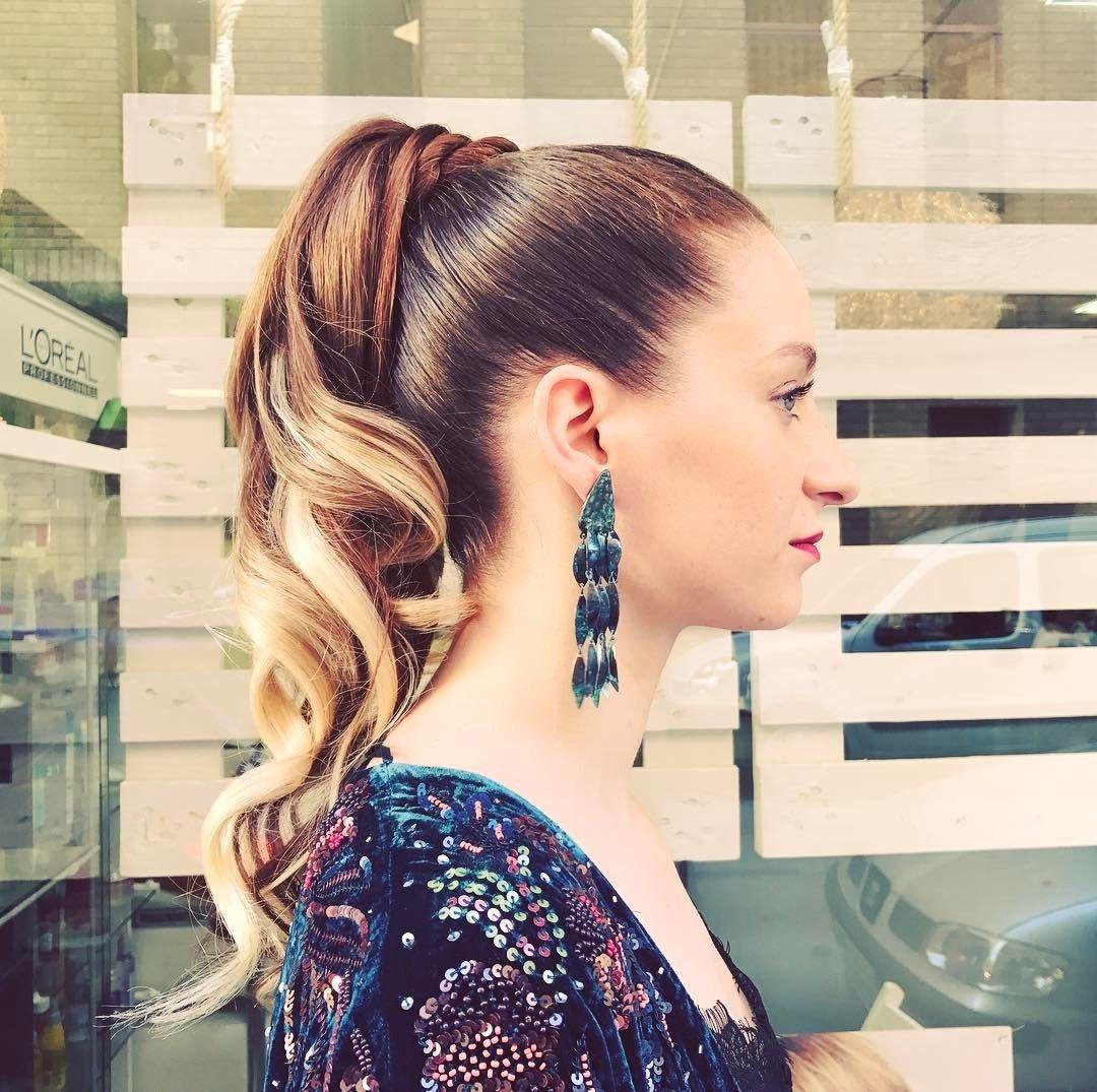 Fascinante peinados con coleta alta Colección De Cortes De Pelo Tutoriales - 5. Coleta alta con ondas | Coletas altas, Peinados con ...