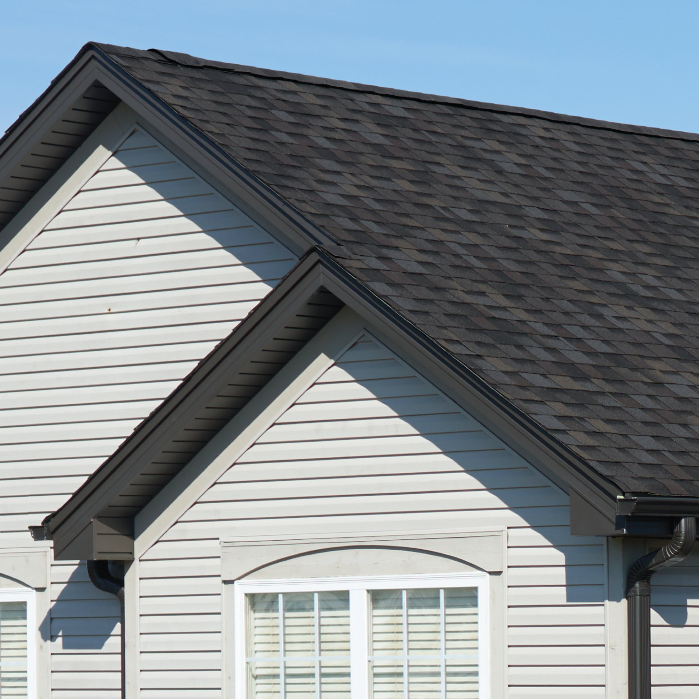 Iko Dynasty Glacier Roof In 2020 Roof Shingles Architectural Shingles Residential Roofing Shingles
