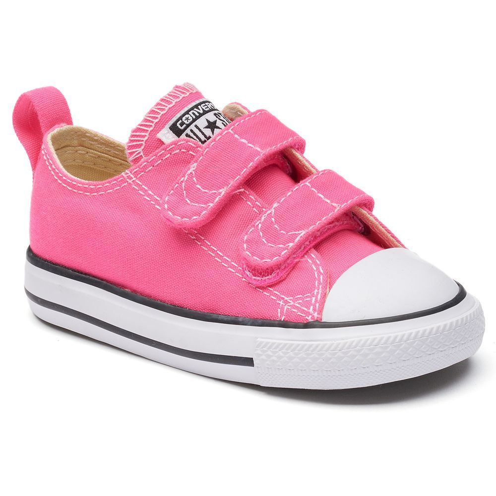 e67332ce5794 Toddler Girls  Converse Chuck Taylor All Star 2V Sneakers