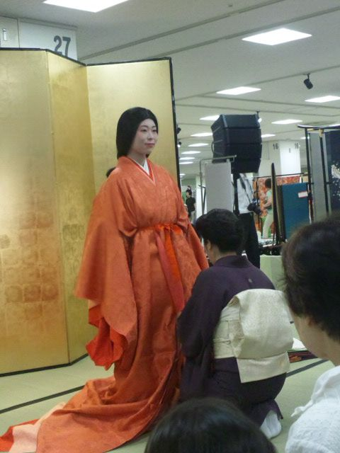 juni-hitoe kimono | matched the color of the juni hitoe with the season