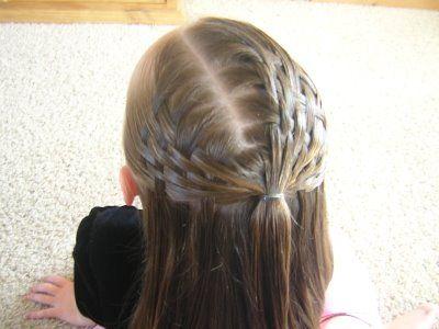 este ao se llevan los peinados sencillos y poco recargados hay nias que les - Peinados De Comunion Sencillos