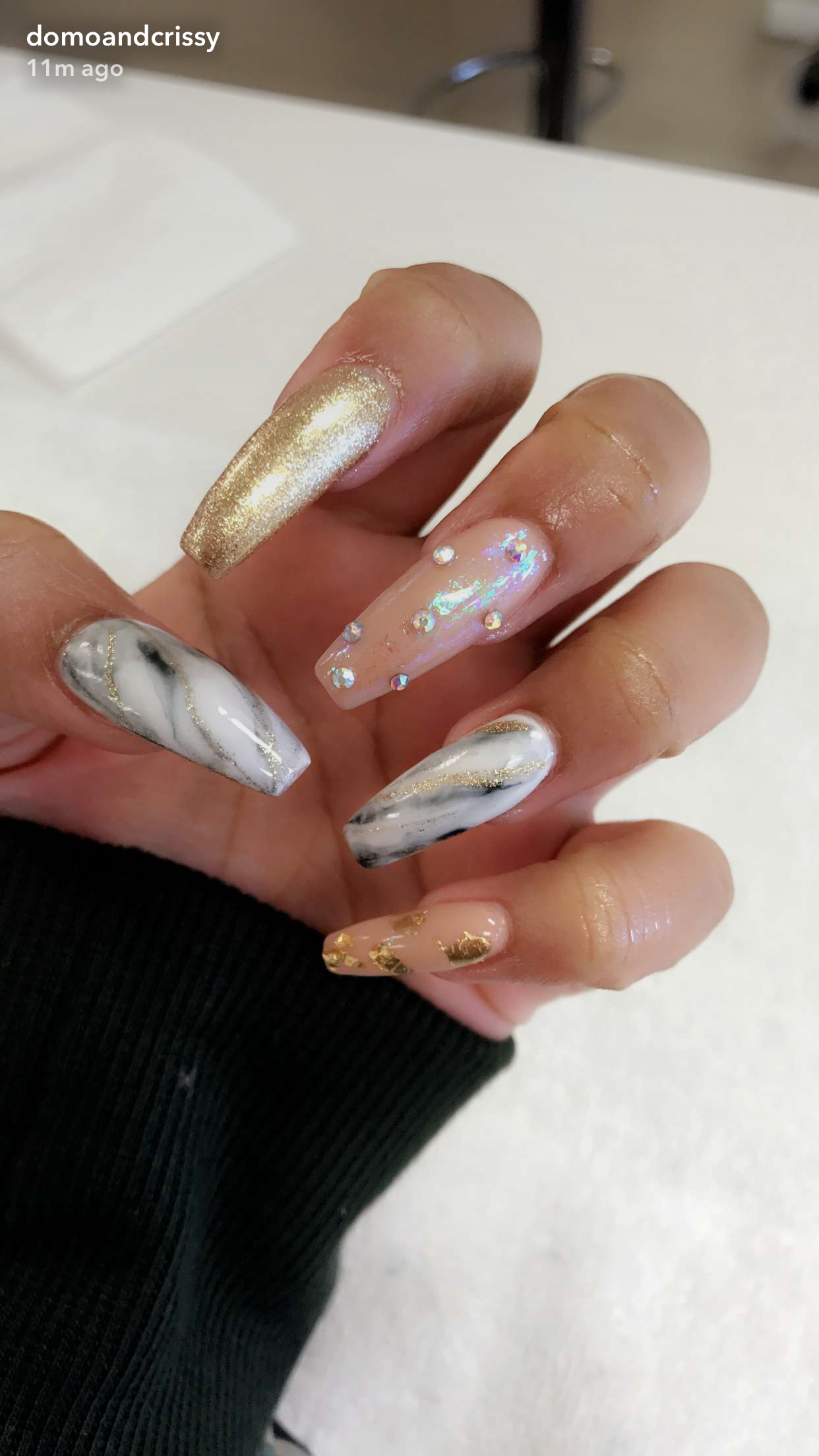 Crissy from Domo and Crissy... Nails are bomb asfleft hand | Life ...