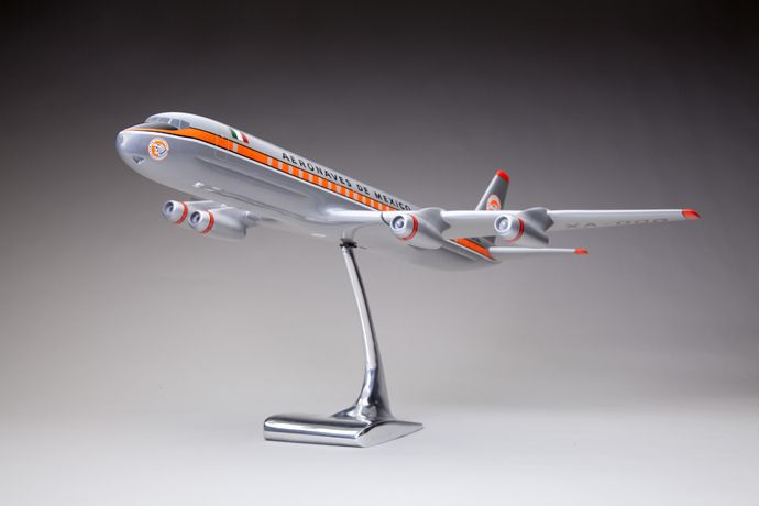 Aeronaves de México Douglas DC-8 model aircraft 1960s   Douglas Aircraft, Santa Monica, California   scale 1:55   metal, paint