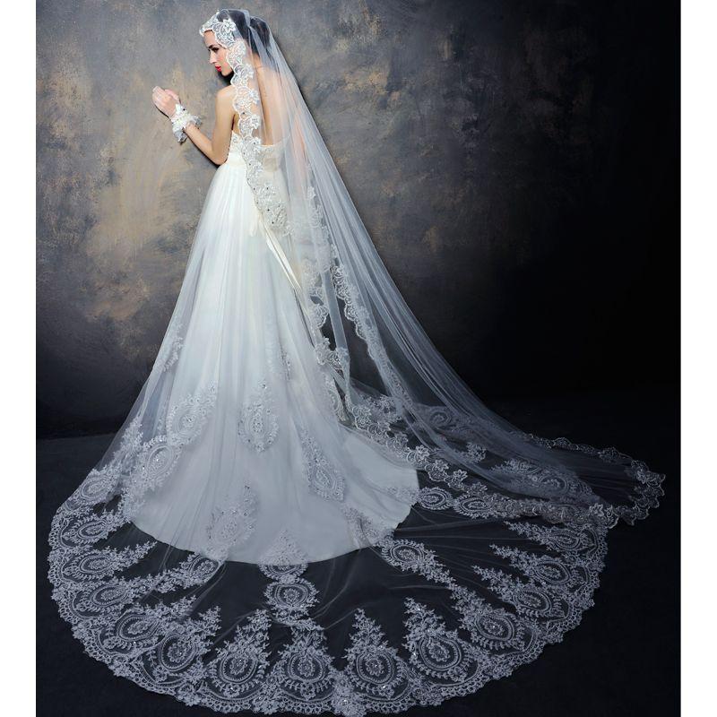 The veil of my dreams... I want Spanish lace ahhhhhhh | Grace and ...