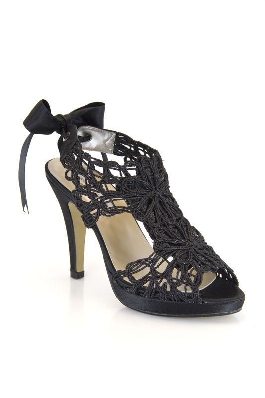 Zapato de fantasía con lazo de raso. Ángel Alarcón: modelo 12590. En negro, plata, oro, azul, morado, rojo, rosa, beig...