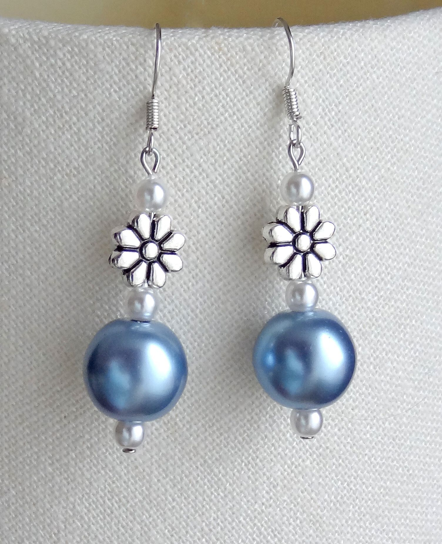 daisy & light blue earrings - to match necklace | diy jewelry