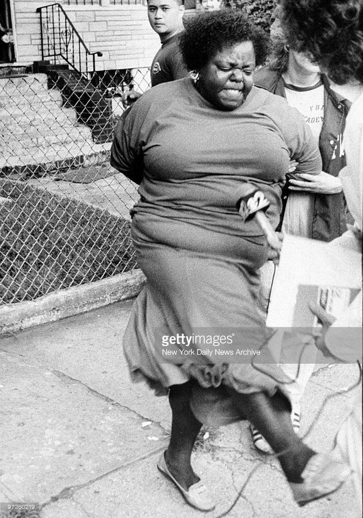 Lorenzo (Fat Cat) Nichols\' sister, Viola, kicks at reporters after ...
