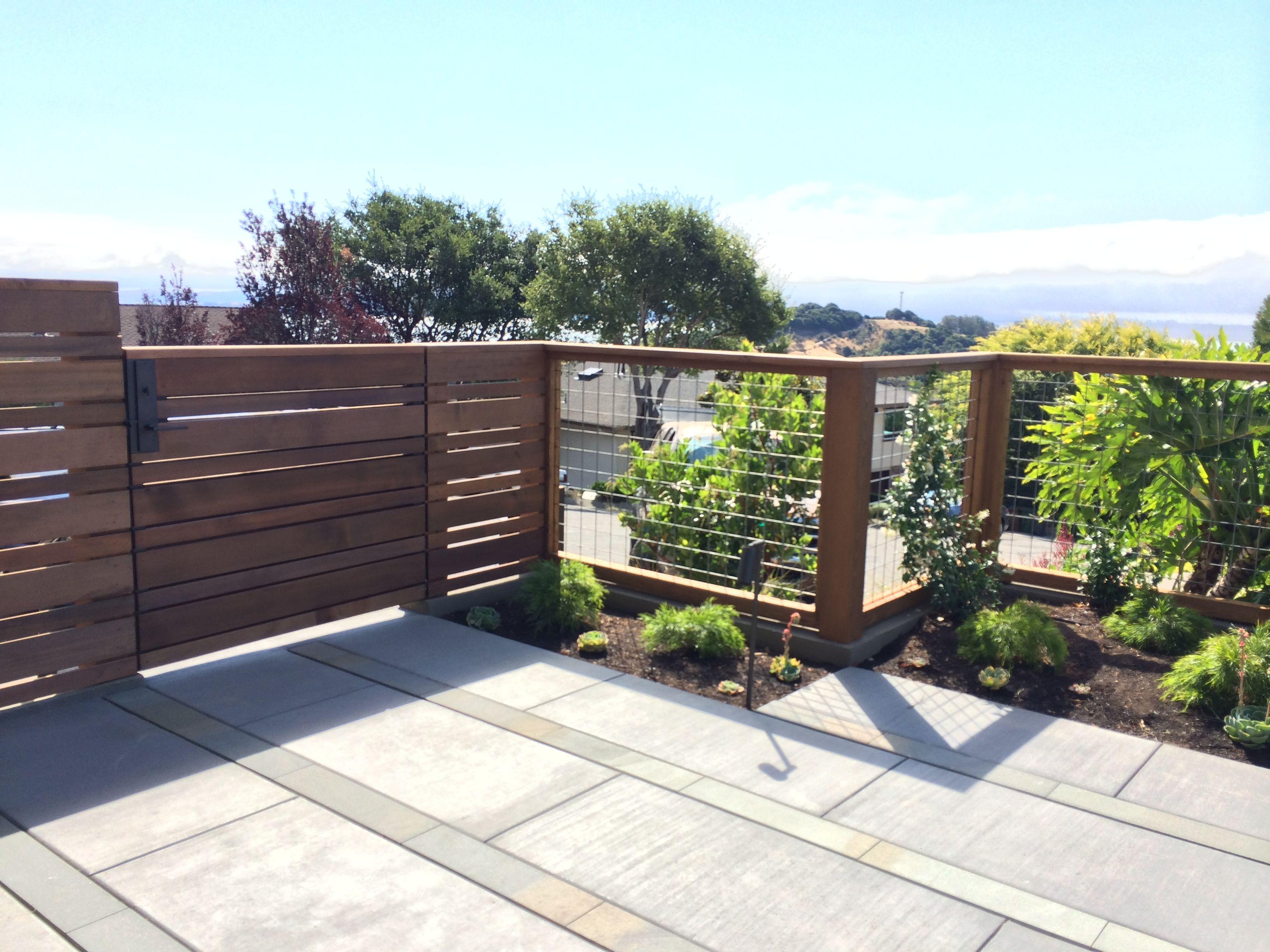 modern horizontal cedar fencing w hogwire fencing panels
