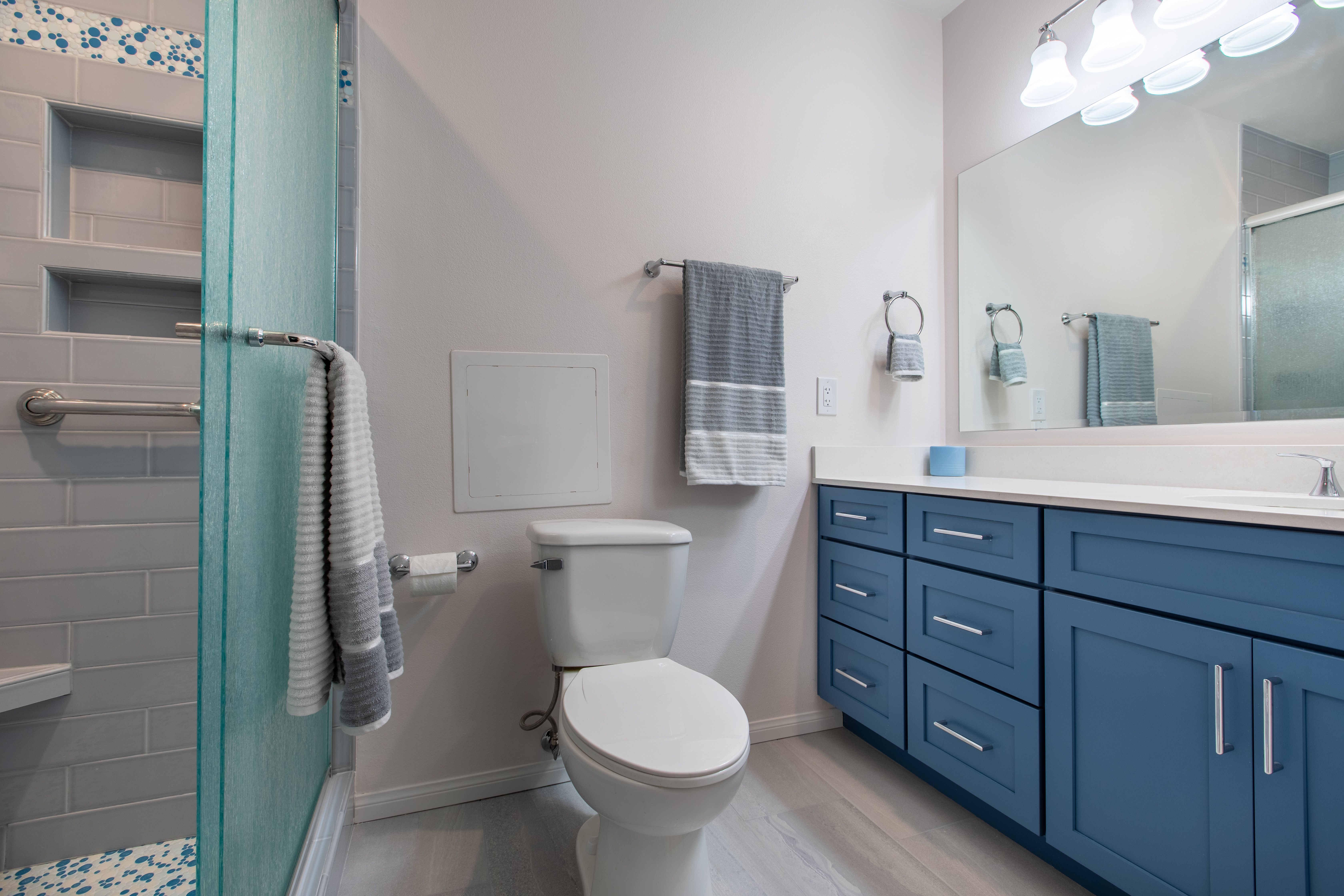 Our Bathrooms Projects Gallery One Week Bath Blue Bathroom Decor Bathroom Style Bathrooms Remodel