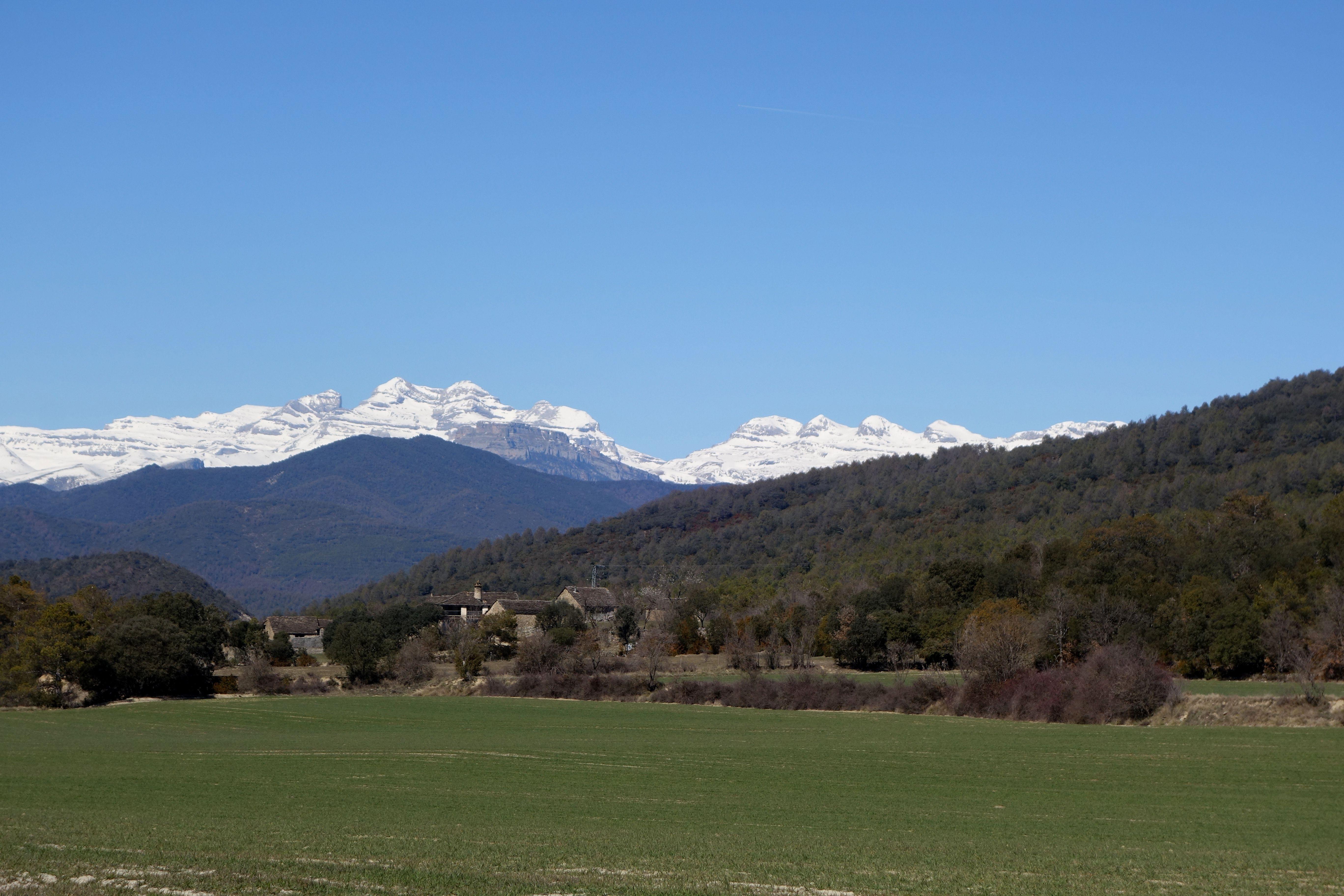 Las Treserols y las Tres Marías desde las proximidades de Sarratiás