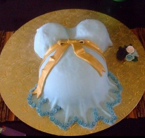 First fondant cake I ever made 4 years ago :p
