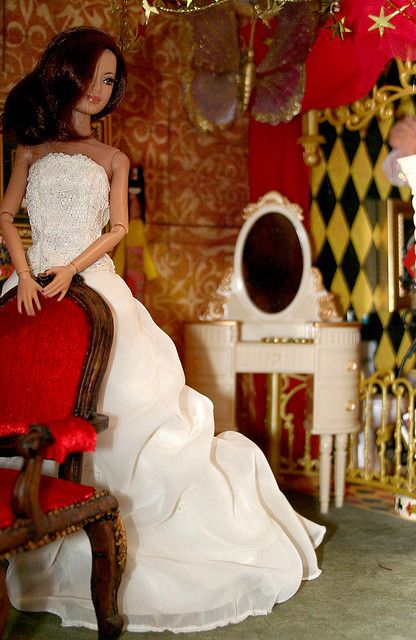 DAVID'S BRIDAL BARBIE THAT WAS LABLED SPANISH/MEXICAN BRIDE DOLL SOLD ONLY IN…