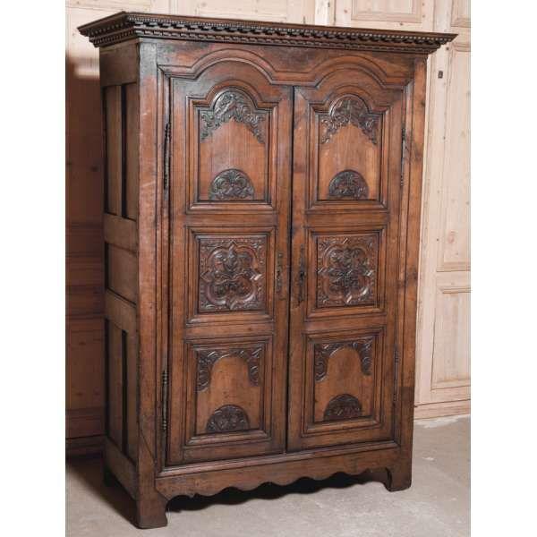 Antique Furniture Antique Armoires Country French Armoires 18th Century Country French Armoire Www Mobilier De Salon Armoire Francaise Meubles Anciens