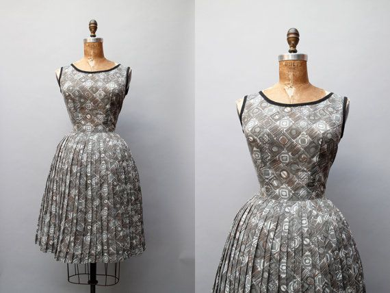 1960s graphic print gray dress with pleat by thegreedyseagull, $58.00