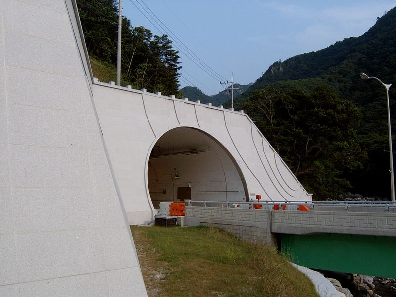 Misiryeong Tunnel, Korea | 미시령 터널