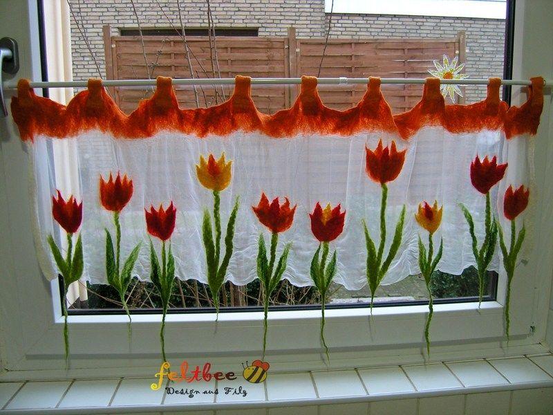 fenster gardine tulpen im fr hling gefilzt von feltbee. Black Bedroom Furniture Sets. Home Design Ideas