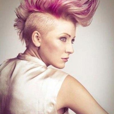 Mohawk Haircut For White Women Mohawk With Vibrant Hues Hair Styles Mohawk Hairstyles Pink Blonde Hair