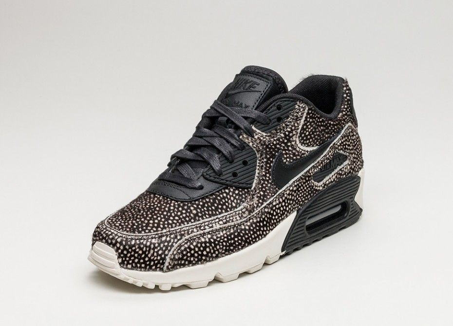 Nike Wmns Air Max 90 LX (Black Black Sail) | Sneakerecke