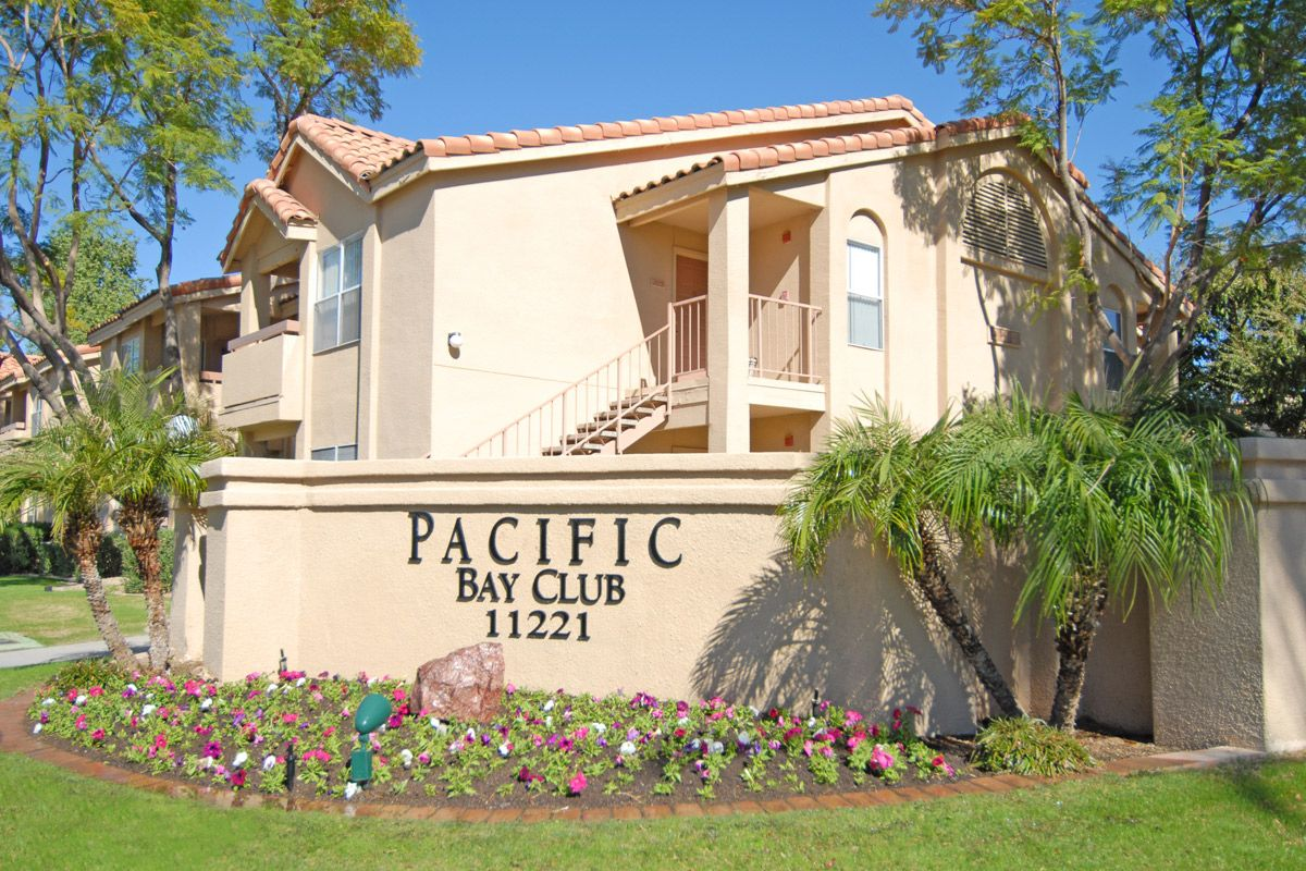 Pacific Bay Club Phoenix Az Beautiful Outdoor Photo Of This Lovely Apartment Community Apartment Entrance Lovely Apartments Apartment Communities