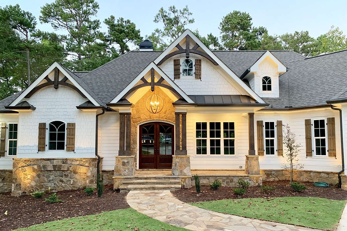 House Plan 286 00103 Craftsman Plan 3 869 Square Feet 4 Bedrooms 4 Bathrooms Craftsman House Plans Craftsman Style House Plans Craftsman House