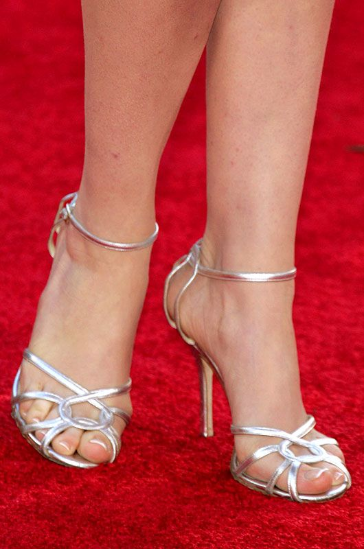 Celebrity Feet in the Pose