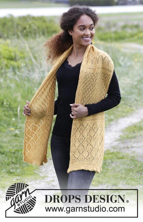 Knitted Stole With Lace Pattern And Rib The Piece Is Worked In
