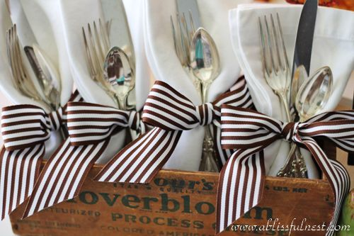 Buffet Table Bold Ribbon Gives Silverware Napkins Some Pizzazz Thanksgiving Partiesthanksgiving Settingsrustic