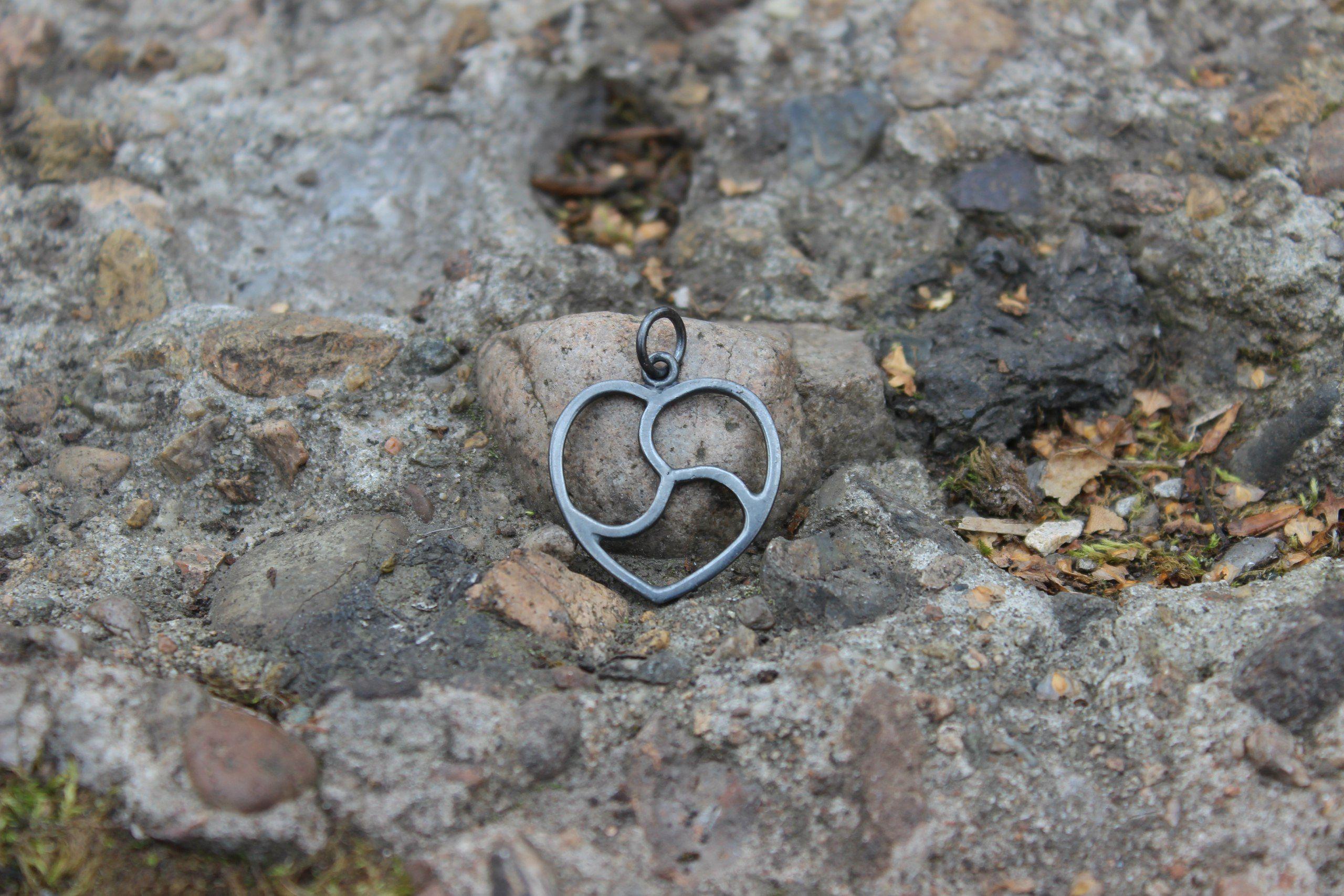 Black silver heart bdsm emblem pendant jewelery pinterest black silver heart bdsm emblem pendant biocorpaavc Gallery