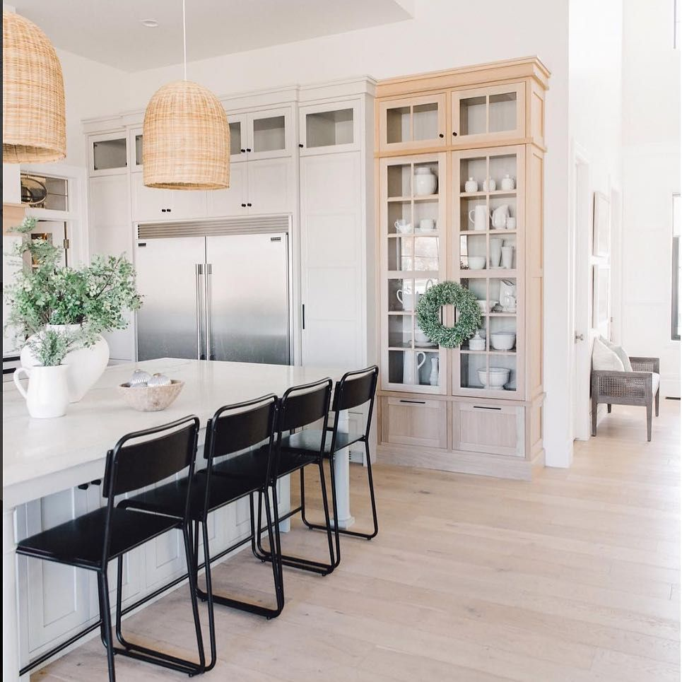 Colorado Knotty Alder Kitchen Cabinets: Transition Your Kitchen For The Holidays With Garland And