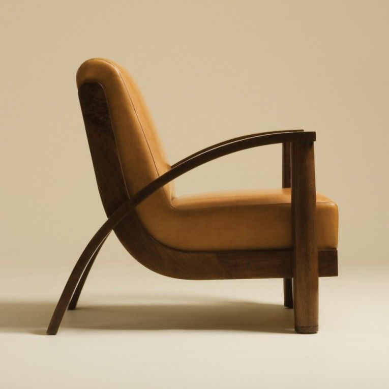 Wooden Arm Chair Living Room Equipped With Curved Arm Rest ...