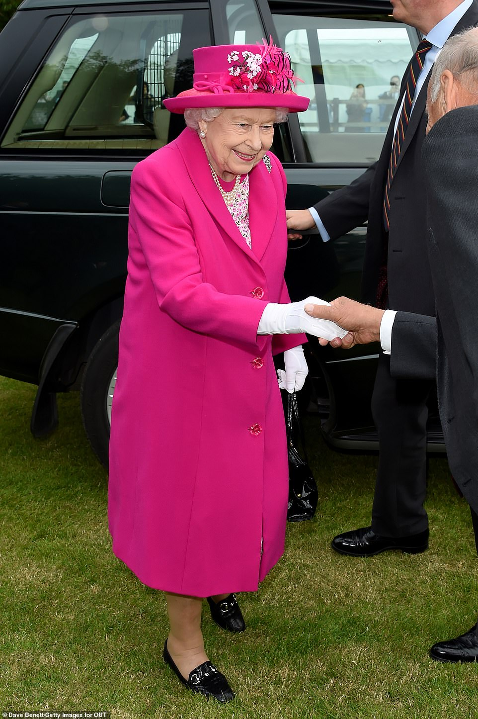 Shock As Polo Goer S Clothing Blows Into Queen S Face At Royal Windsor Royal Cup Final Royal Family England