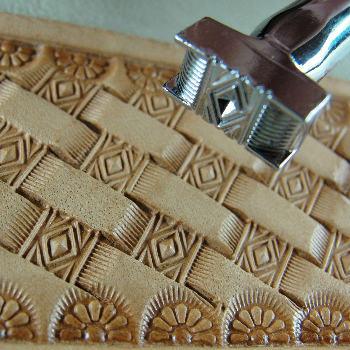 Basket Weave Pattern On Leather : Leather stamping tool diamond basket weave design