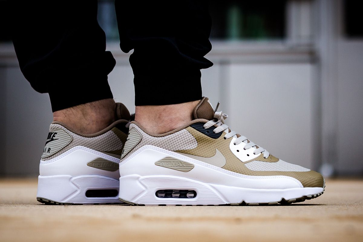On Foot: Nike Air Max 90 Ultra 2.0 Essential