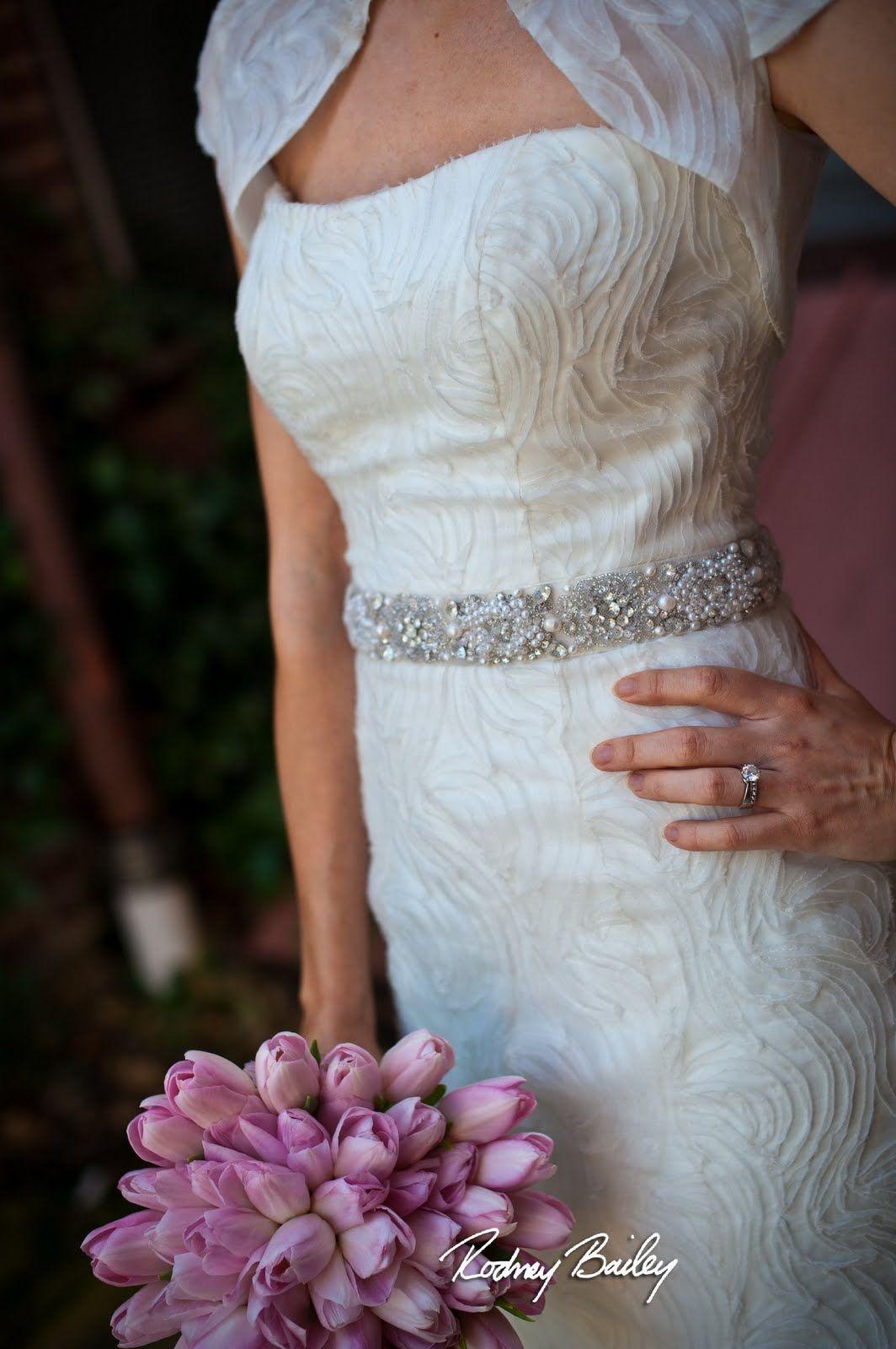mother of pearl belt | Vestido | Pinterest | Pearls