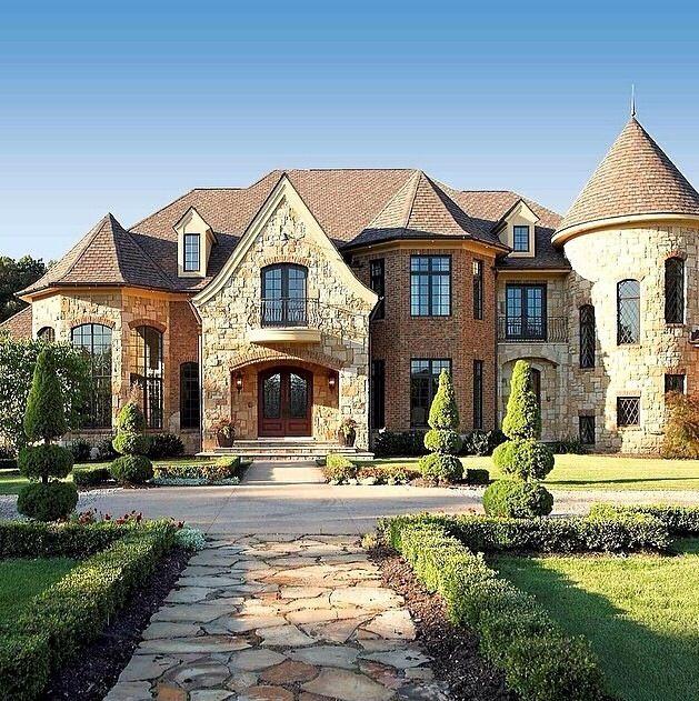 Pin tillagd av tina edwards p home exterior pinterest for Villas francesas