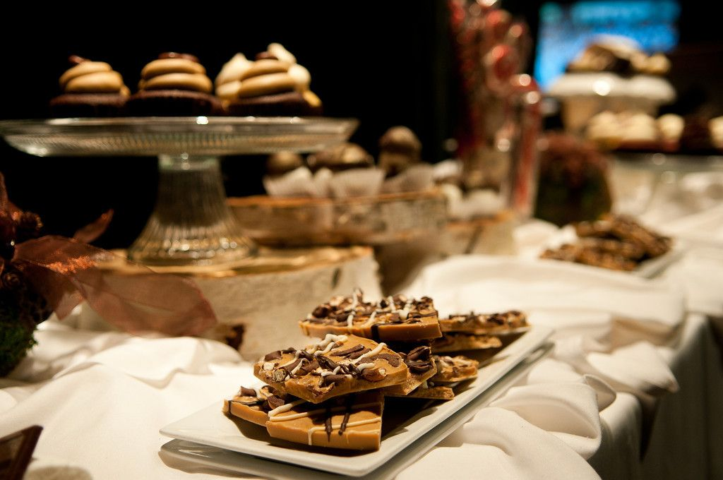 dessert bar. birch stands.   www.kellinixonphotography.com
