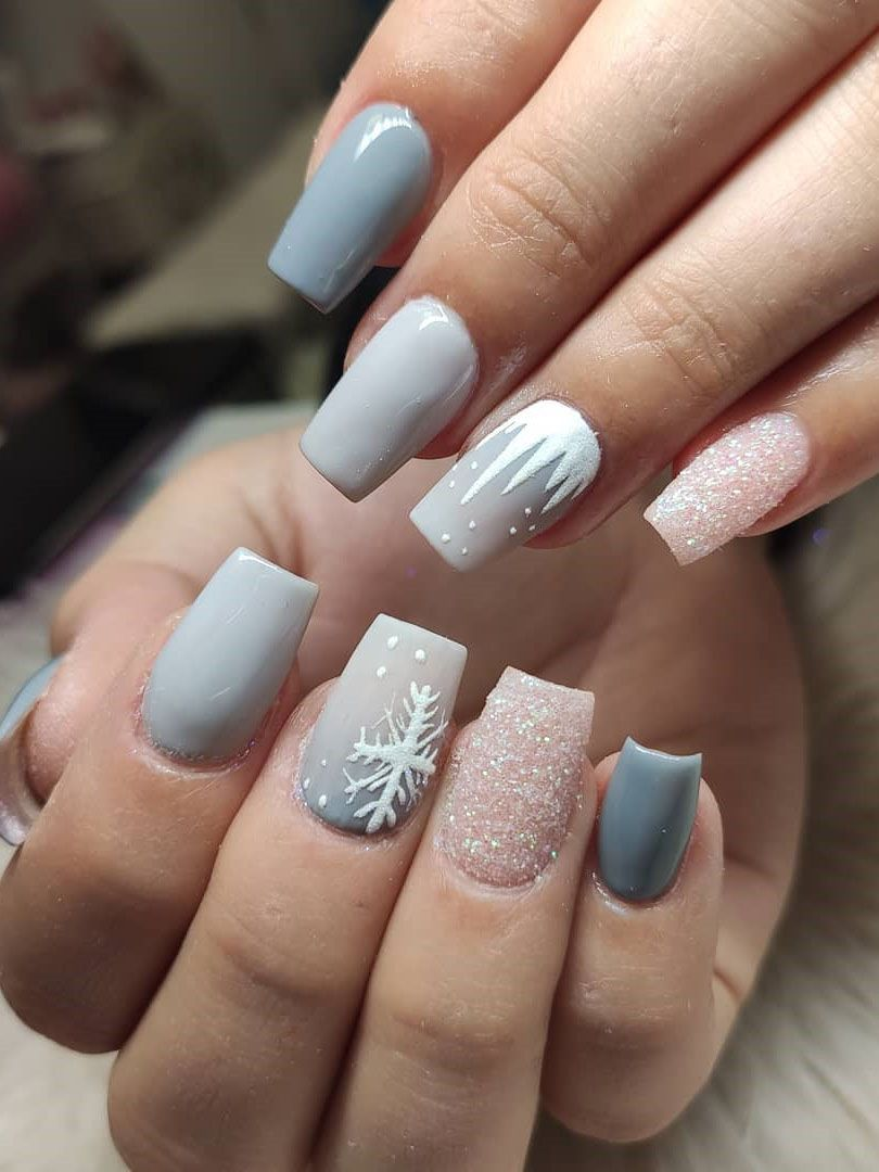 100 Easy Acrylic Winter Nails And Color Ideas 2019 In 2020 Winter Nails Acrylic Winter Nail Designs Nail Colors Winter