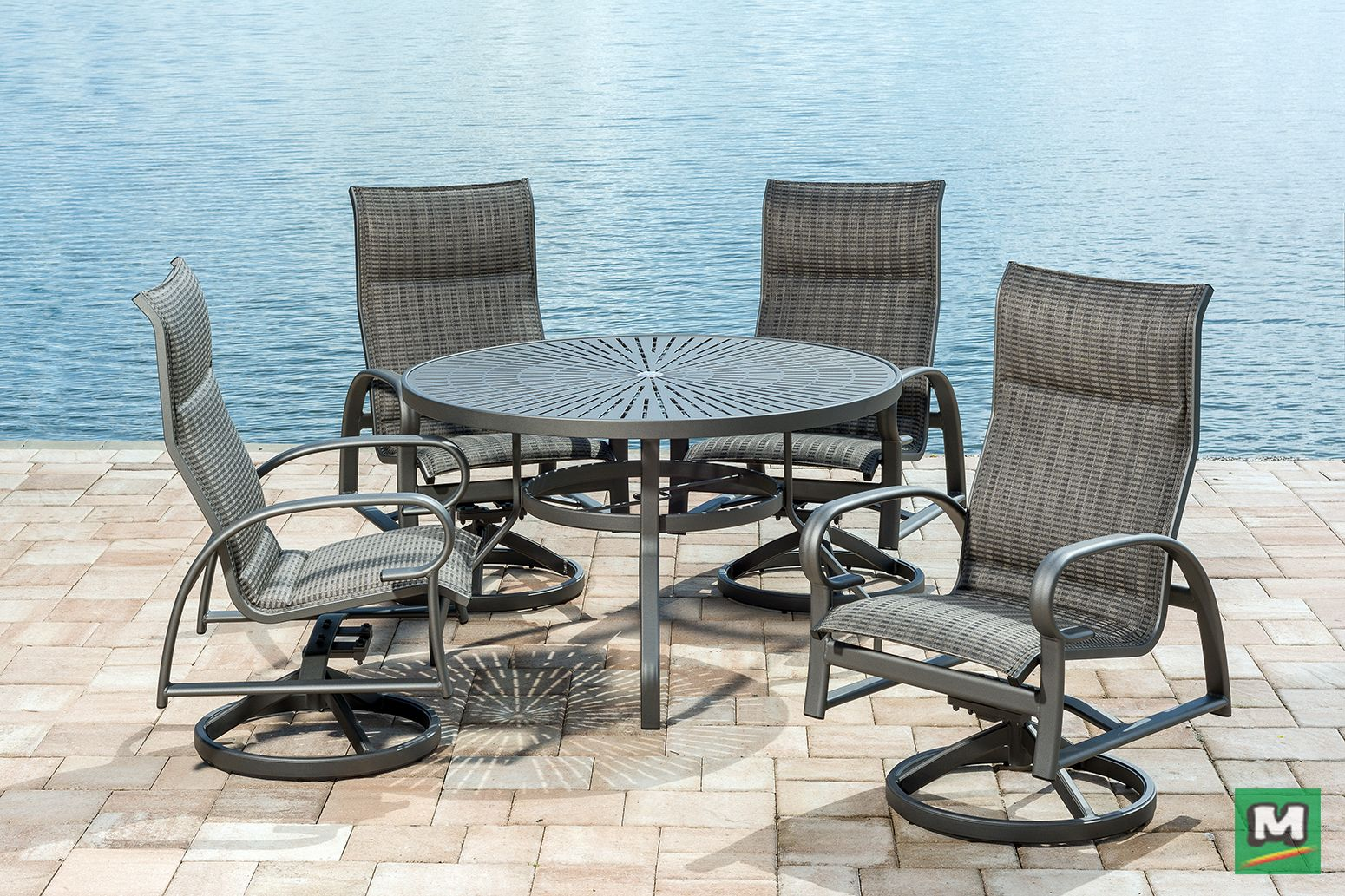 This Backyard Creations 5 Piece Legacy Dining Collection Features