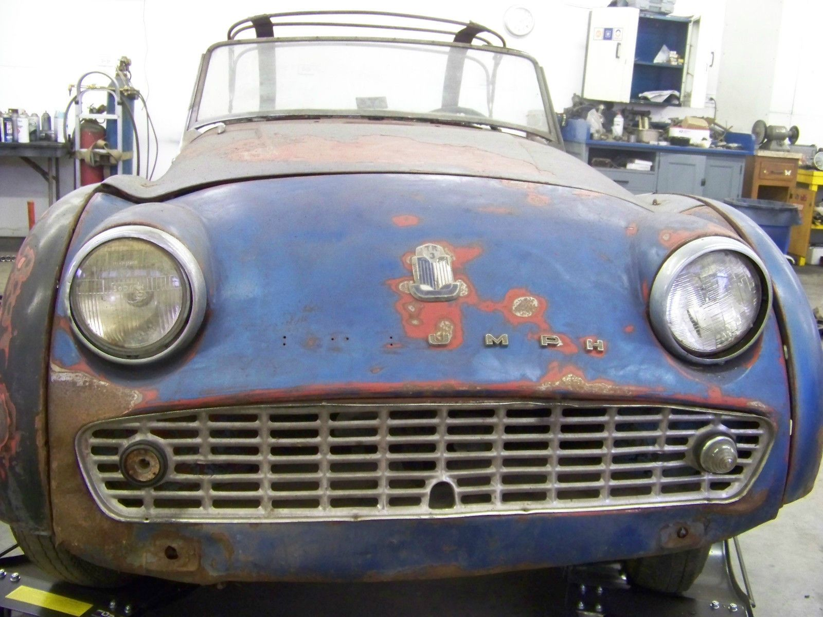 1960 Triumph TR3 convertible – Rough, but repairable | Wrecked sport ...