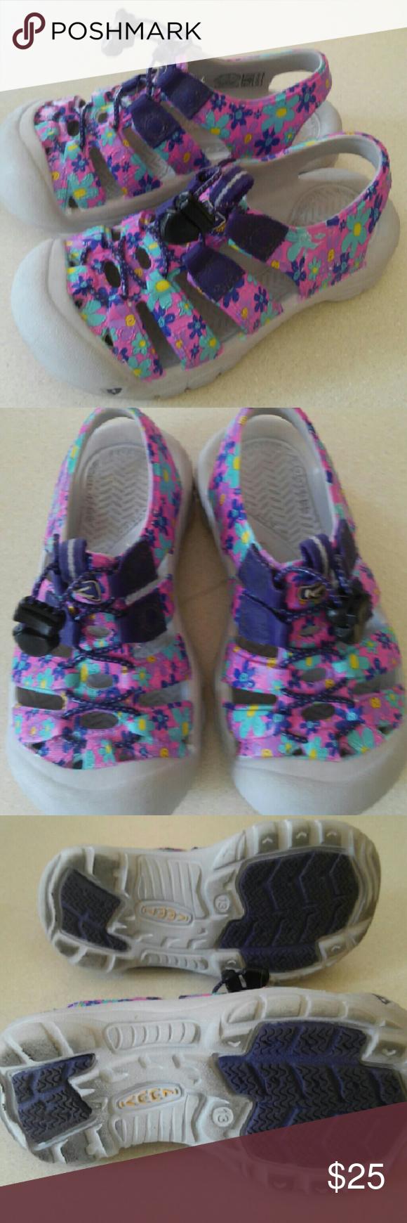 Girl's Keen Sandals Keen sandals. Great condition Keen Shoes Sandals & Flip Flops