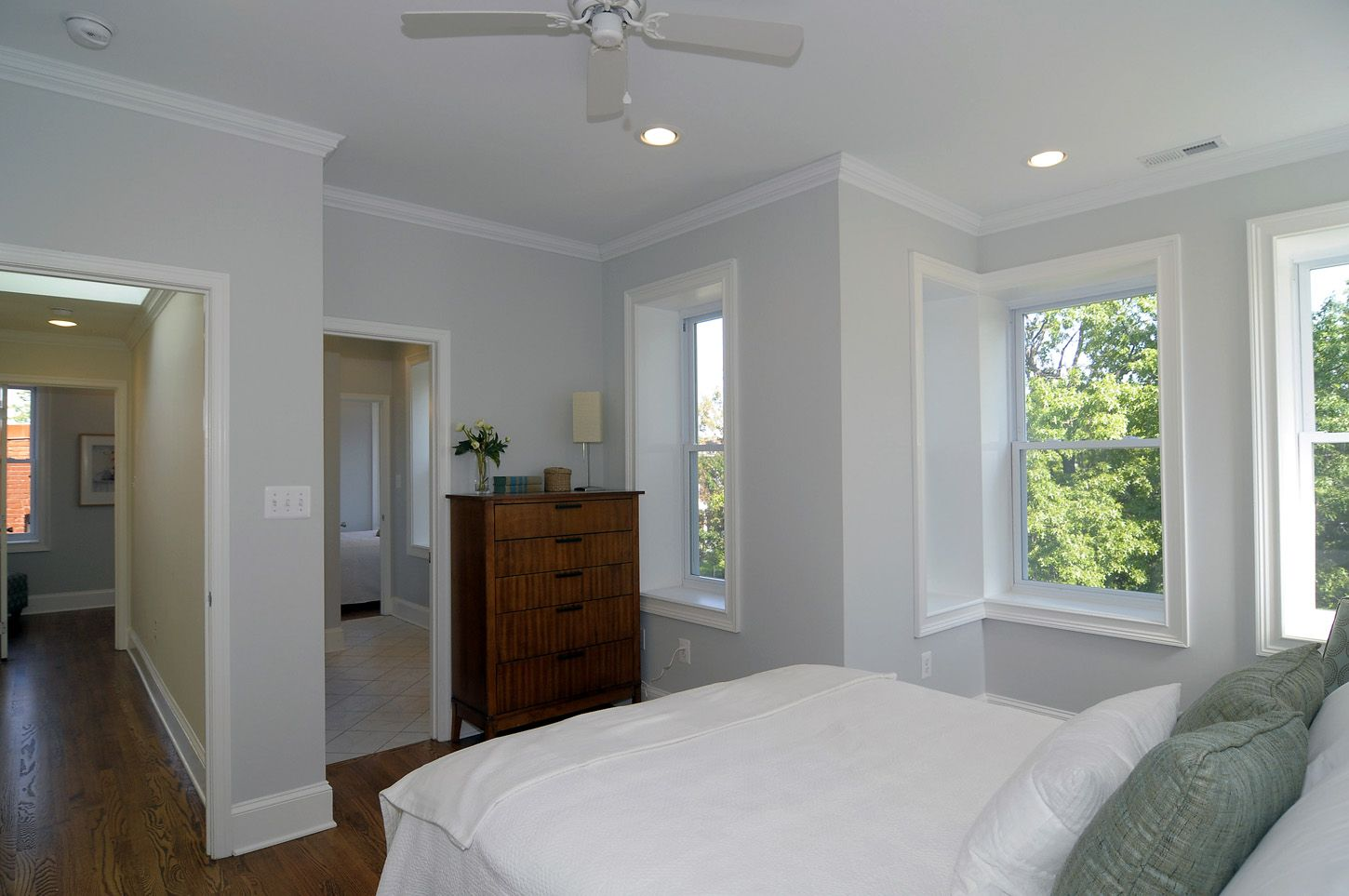 Benjamin moore horizon gray home design paint colors in 2019 - Shades of grey paint for bedroom ...