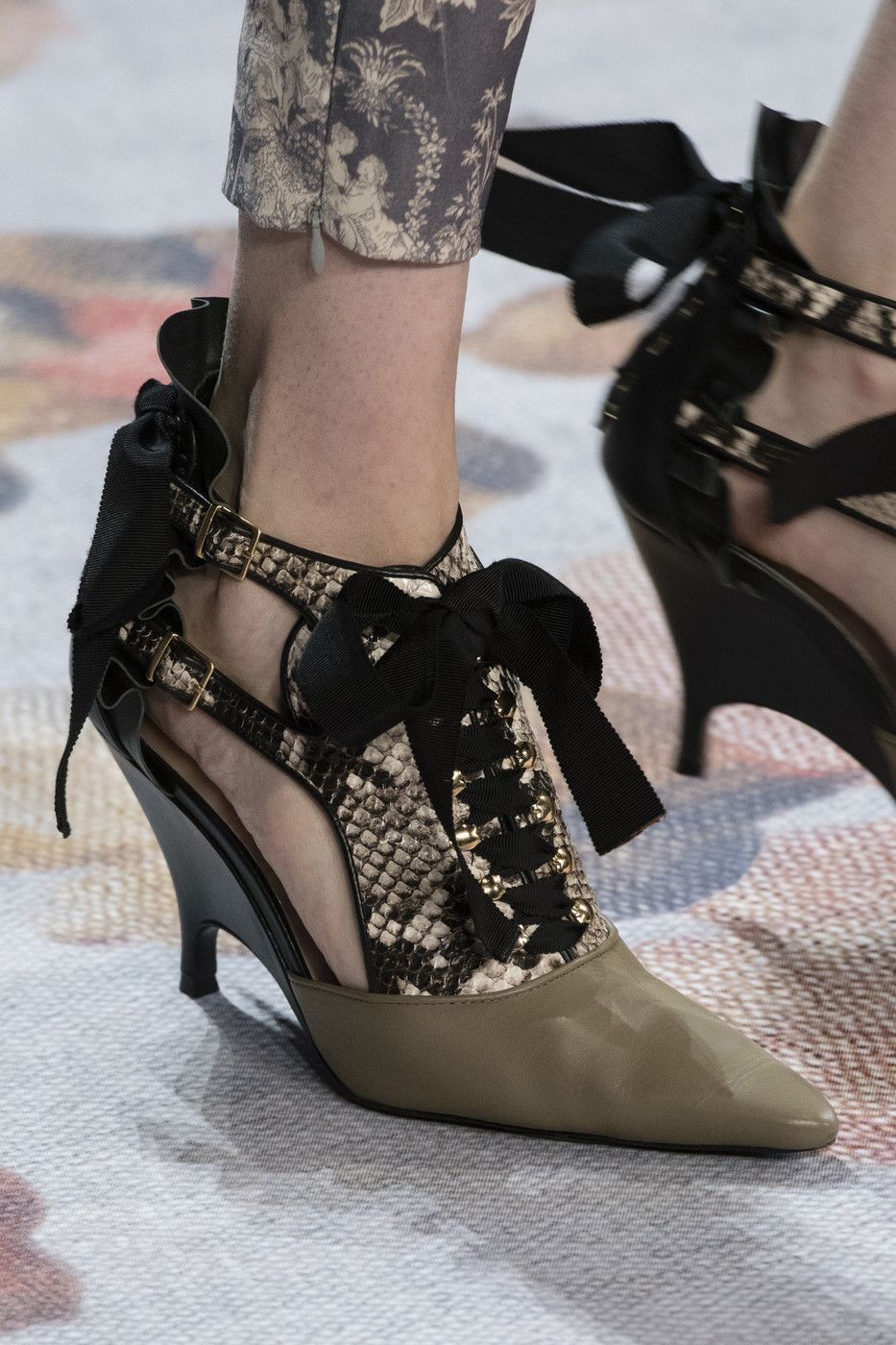 Zimmermann At New York Fashion Week Fall 2018 Shoes Fashion Photography Embroidered Shoes Fashion