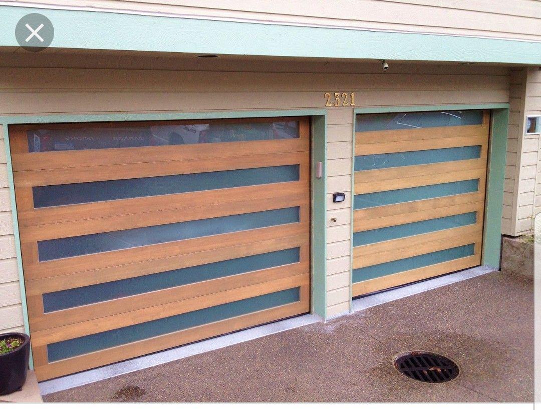 Idea By Felicia On 2019 Exterior Ideas Farm Wooden Garage Doors Wooden Garage Minimalist House Design