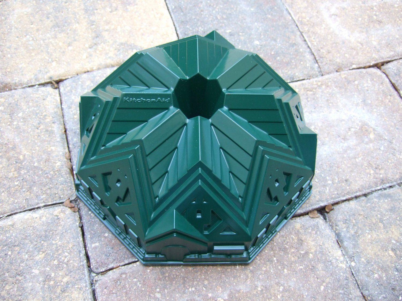 Amazon.com: KitchenAid Tudor Style Bundt Cake Pan Cast Aluminium ...