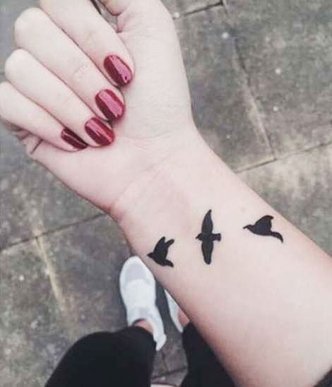 17 Meaningful Small Wrist Tattoos for Women