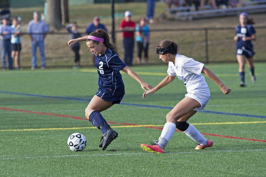 GIRLS SOCCER Norwell star injured in win Soccer girl