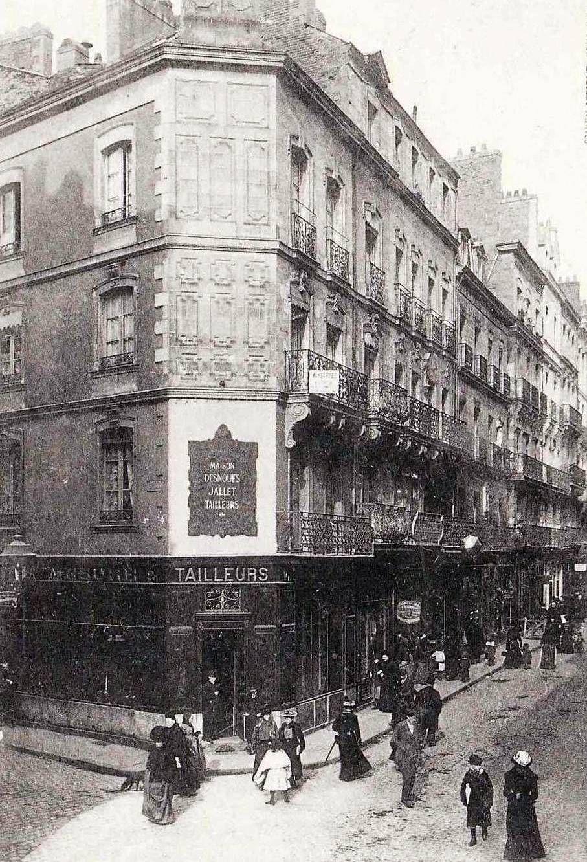 Nantes - Angle de la Basse Grande Rue et de la rue du Moulin vers la mairie.
